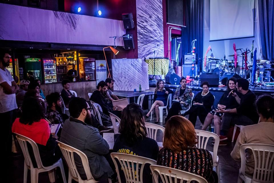 Debate com Gabriela Carvalho, Ione de Medeiros, Jonnatha Horta Fortes, Leo Moraes, Rodrigo Cunha e Helen Murta (Foto: Luiz Carlos Oliveira)